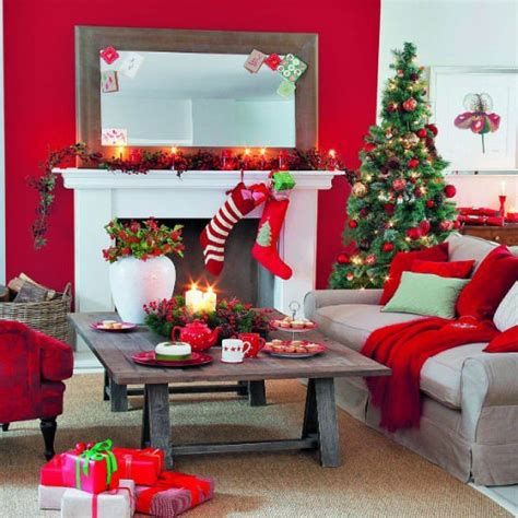 Best Christmas Living Room Decoration Ideas For Your Home 38