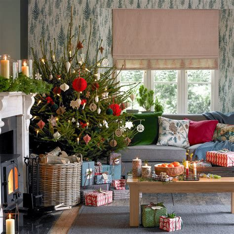 Best Christmas Living Room Decoration Ideas For Your Home 39