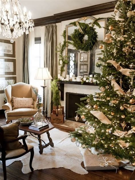 Best Christmas Living Room Decoration Ideas For Your Home 40