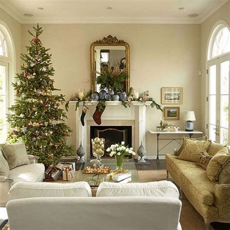 Best Christmas Living Room Decoration Ideas For Your Home 43
