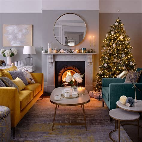 Best Christmas Living Room Decoration Ideas For Your Home 45