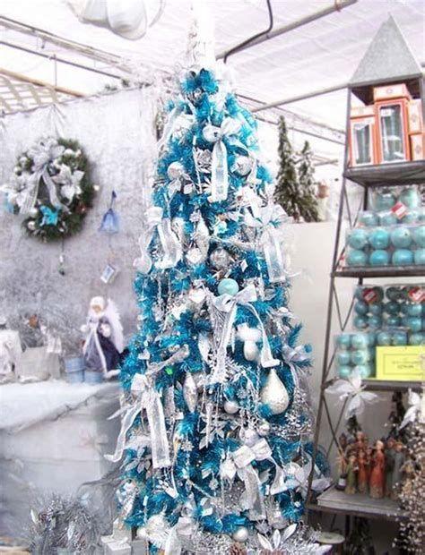 Blue And Silver Christmas Tree Decor Ideas 18