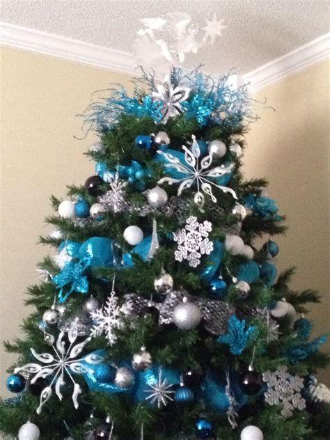 Blue And Silver Christmas Tree Decor Ideas 19
