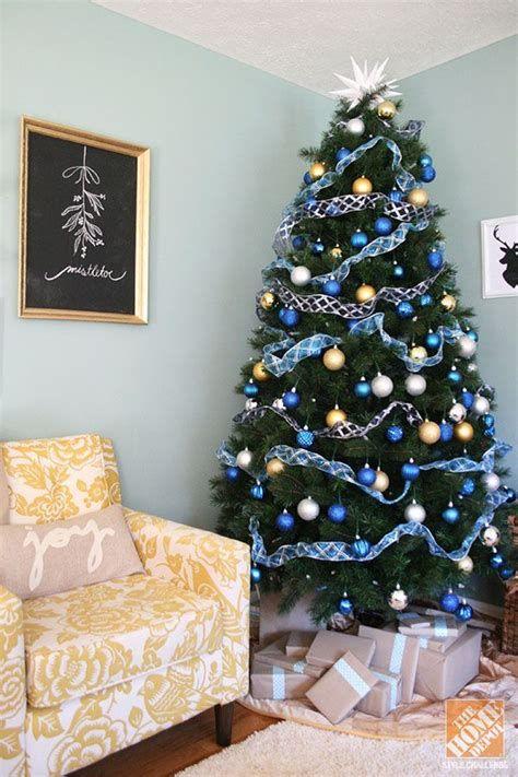 Blue And Silver Christmas Tree Decor Ideas 20