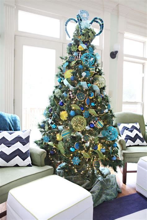 Blue And Silver Christmas Tree Decor Ideas 23