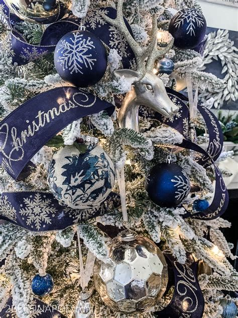 Blue And Silver Christmas Tree Decor Ideas 25