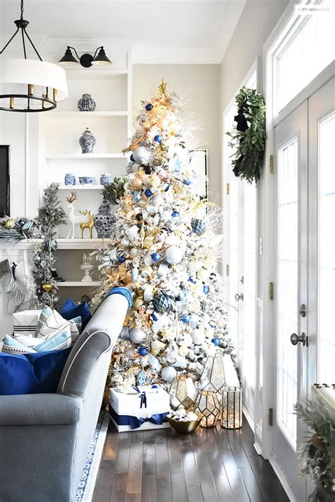 Blue And Silver Christmas Tree Decor Ideas 28