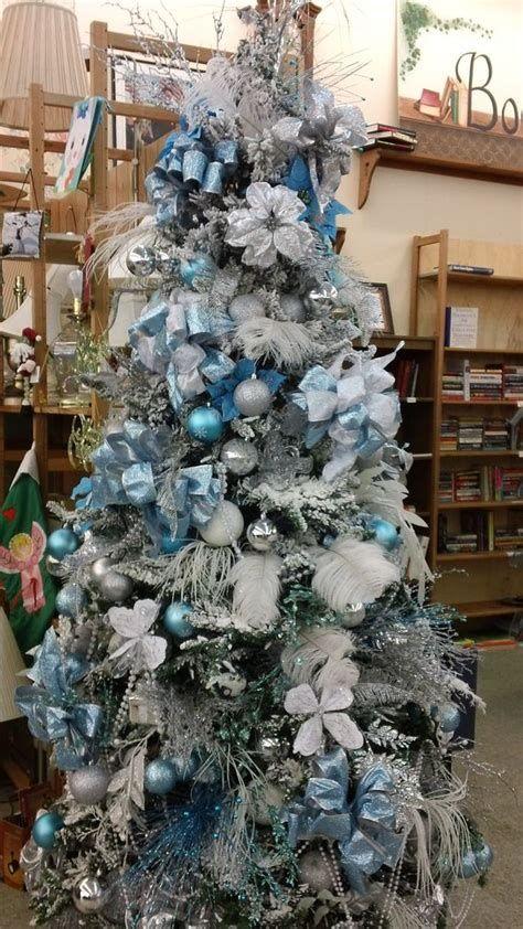 Blue And Silver Christmas Tree Decor Ideas 30