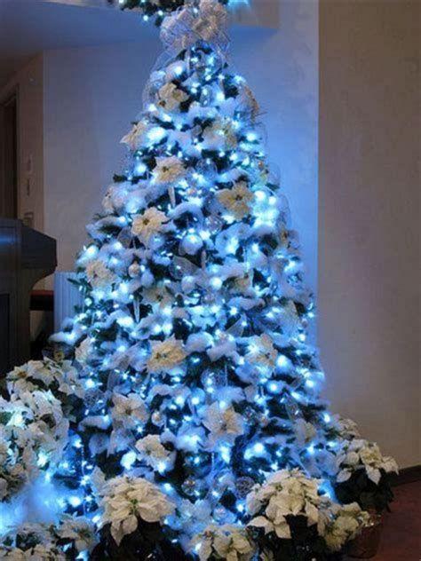 Blue And Silver Christmas Tree Decor Ideas 31