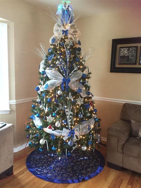 Blue And Silver Christmas Tree Decor Ideas 32