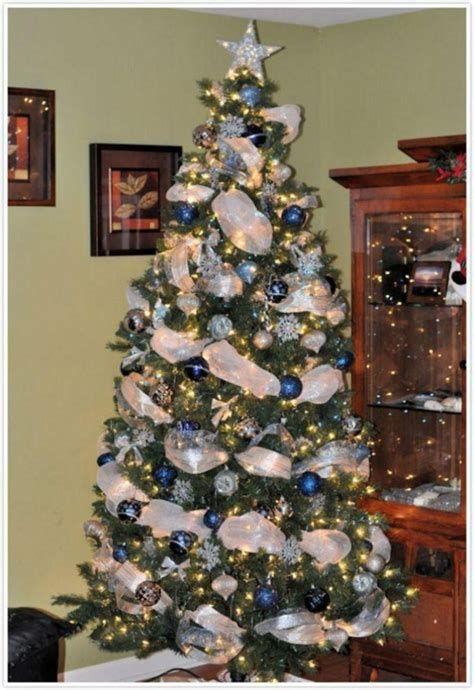 Blue And Silver Christmas Tree Decor Ideas 33