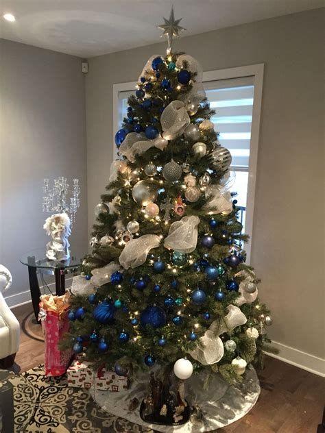 Blue And Silver Christmas Tree Decor Ideas 35