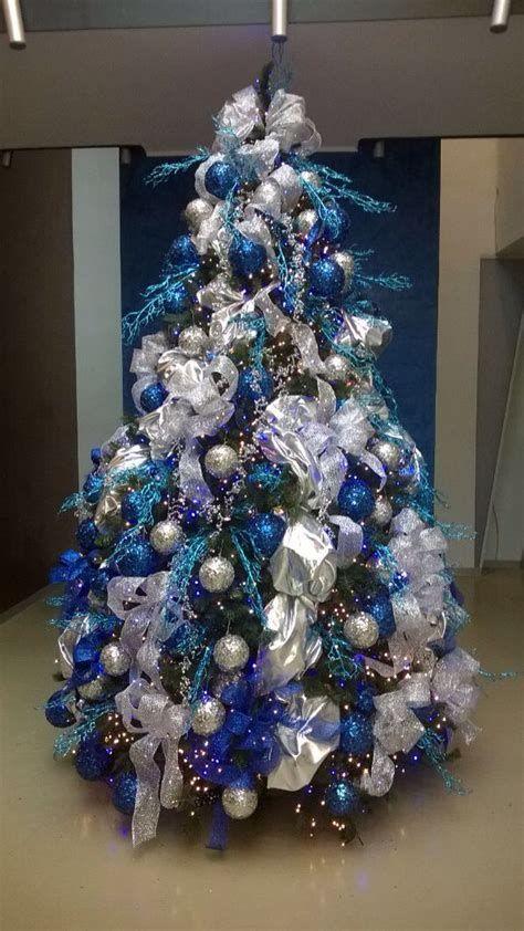 Blue And Silver Christmas Tree Decor Ideas 36