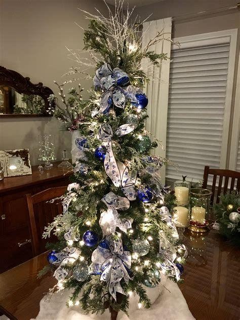 Blue And Silver Christmas Tree Decor Ideas 43