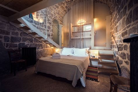 Cozy Rustic Bedroom Interior Designs For This Winter 09