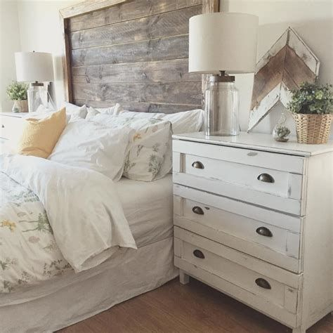 Cozy Rustic Bedroom Interior Designs For This Winter 15
