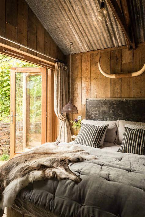 Cozy Rustic Bedroom Interior Designs For This Winter 18