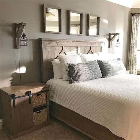 Cozy Rustic Bedroom Interior Designs For This Winter 43