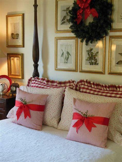 Impressive Christmas Bedding Ideas You Need To Copy 05