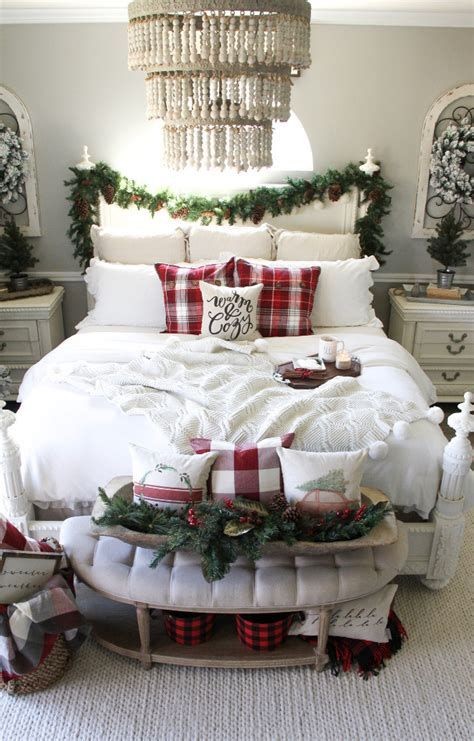 Impressive Christmas Bedding Ideas You Need To Copy 09