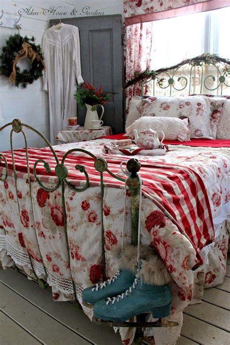 Impressive Christmas Bedding Ideas You Need To Copy 13
