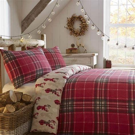 Impressive Christmas Bedding Ideas You Need To Copy 23