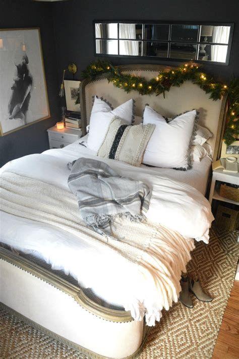 Impressive Christmas Bedding Ideas You Need To Copy 25