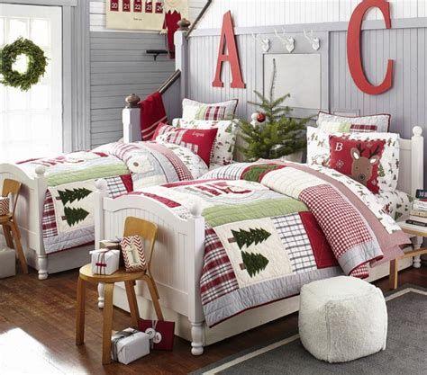 Impressive Christmas Bedding Ideas You Need To Copy 27