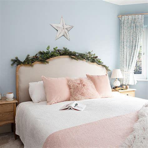 Impressive Christmas Bedding Ideas You Need To Copy 36