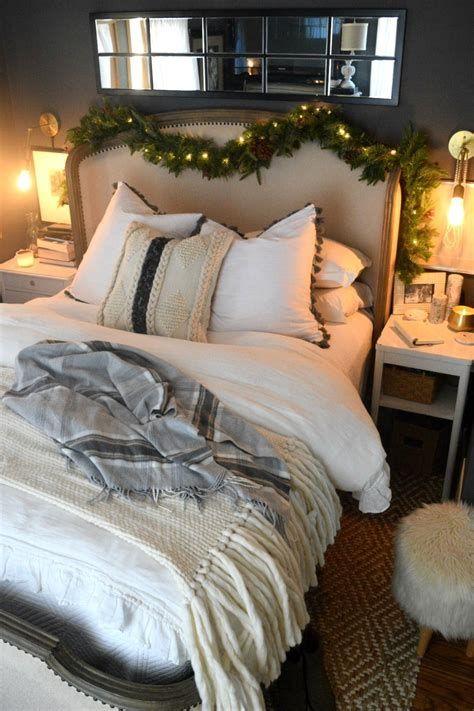 Impressive Christmas Bedding Ideas You Need To Copy 41
