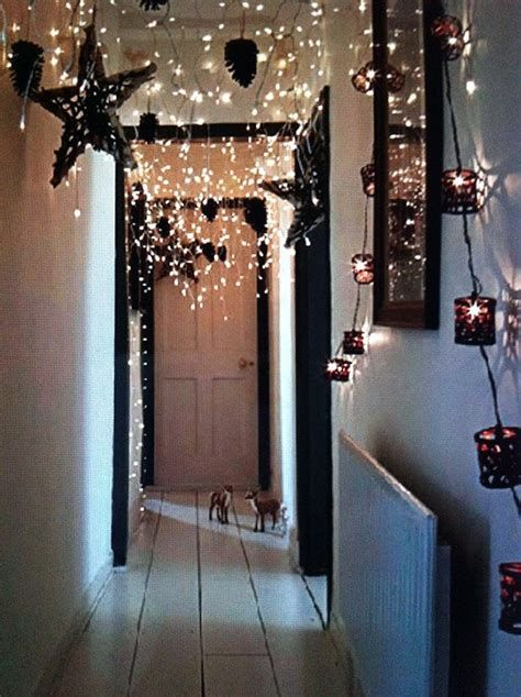 Marvelous Christmas Lighting Decoration Ideas For Your Bedroom 02