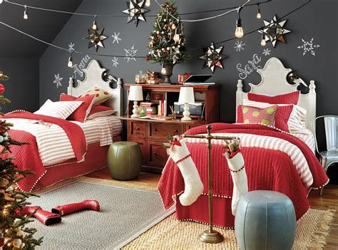Marvelous Christmas Lighting Decoration Ideas For Your Bedroom 03