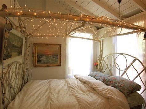 Marvelous Christmas Lighting Decoration Ideas For Your Bedroom 05