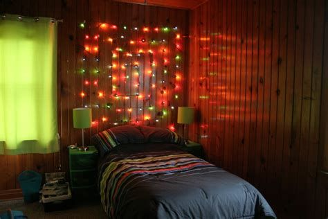 Marvelous Christmas Lighting Decoration Ideas For Your Bedroom 09
