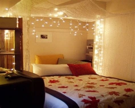 Marvelous Christmas Lighting Decoration Ideas For Your Bedroom 14