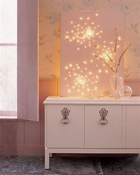 Marvelous Christmas Lighting Decoration Ideas For Your Bedroom 17