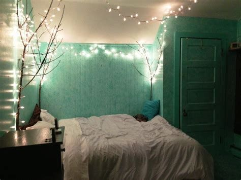 Marvelous Christmas Lighting Decoration Ideas For Your Bedroom 18