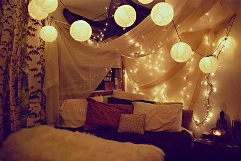 Marvelous Christmas Lighting Decoration Ideas For Your Bedroom 19