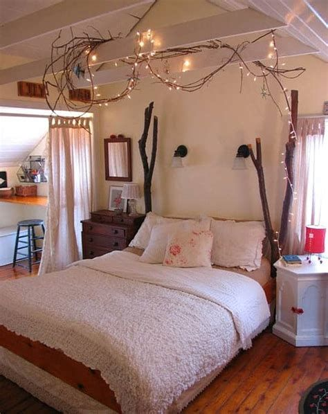 Marvelous Christmas Lighting Decoration Ideas For Your Bedroom 24