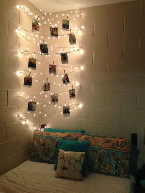 Marvelous Christmas Lighting Decoration Ideas For Your Bedroom 27