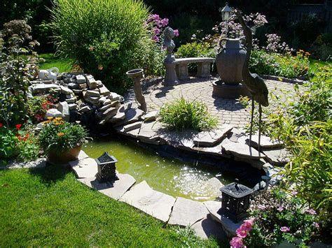 Marvelous Winter Garden Design For Small Backyard Landscaping Ideas 01