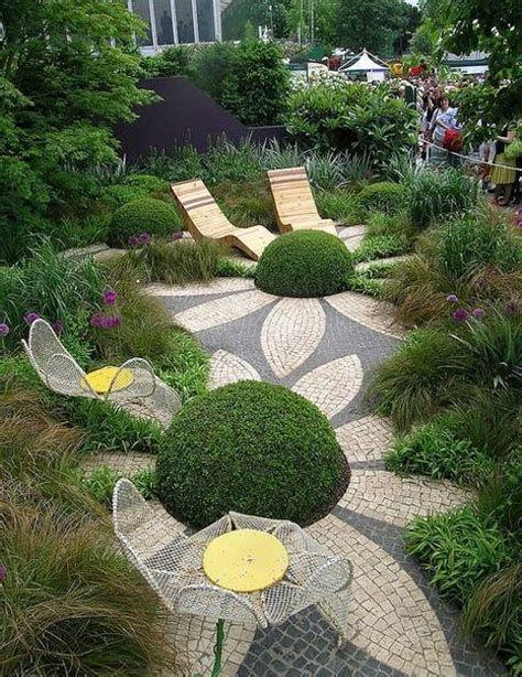 Marvelous Winter Garden Design For Small Backyard Landscaping Ideas 04