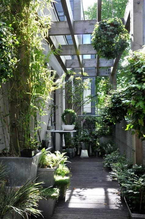 Marvelous Winter Garden Design For Small Backyard Landscaping Ideas 06