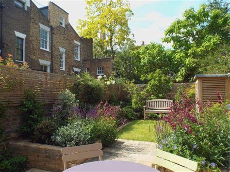 Marvelous Winter Garden Design For Small Backyard Landscaping Ideas 09