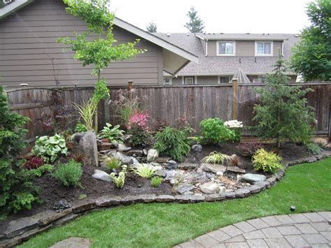 Marvelous Winter Garden Design For Small Backyard Landscaping Ideas 16
