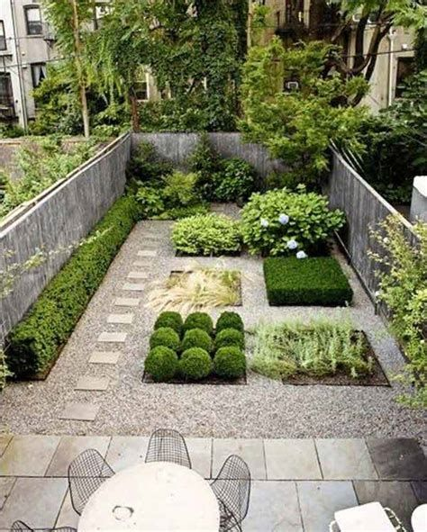 Marvelous Winter Garden Design For Small Backyard Landscaping Ideas 22
