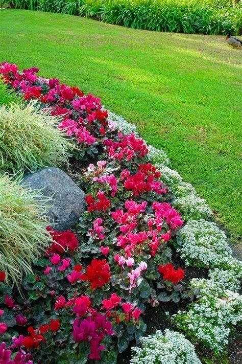 Marvelous Winter Garden Design For Small Backyard Landscaping Ideas 26