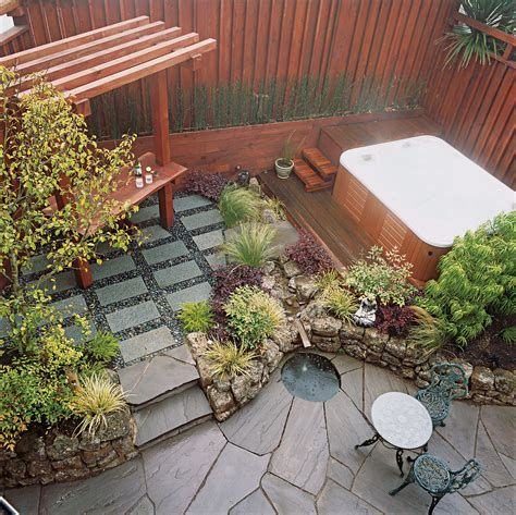 Marvelous Winter Garden Design For Small Backyard Landscaping Ideas 42