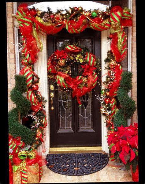 Most Popular Door Christmas Decor Ideas For Inspirations 05