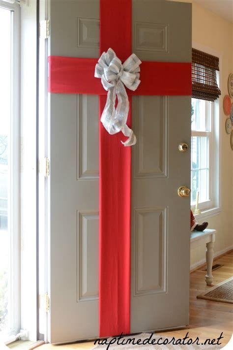 Most Popular Door Christmas Decor Ideas For Inspirations 17